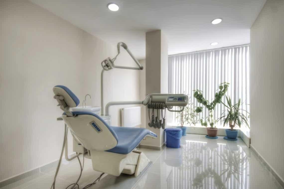 Friendly Dental Office, Worcester Massachusetts. Family & General, Dentistry, Implant Dentistry, Cosmetic Dentistry, Sleep Dentistry, Dentures, Invisalign, TMJ/Jaw Pain